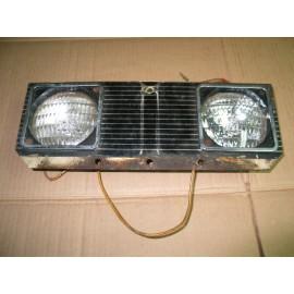 HEADLIGHT ASSEMBLY CUB CADET IH 545507 R1 USED