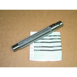 MAIN TRANSMISSION SHAFT / CREEPER DRIVE IH 404667 R1 NOS