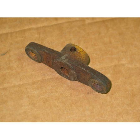COUPLING ARM ASSEMBLY CUB CADET IH 61928 C1 748-3001 OS USED