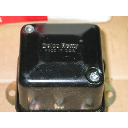 VOLTAGE REGULATOR CUB CADET 1118987 IH 545130 R93 NOS