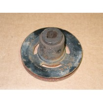 TILLER GEARBOX LOWER PULLEY CUB CADET IH 485246 R91 USED