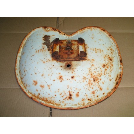 PAN SEAT CUB CADET IH 376170 R91 USED