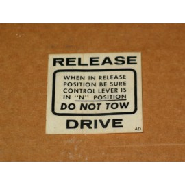 DO NOT TOW DECAL CUB CADET IH 548276 R1 NOS