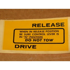 DO NOT TOW DECAL CUB CADET IH 529681 R1 NOS