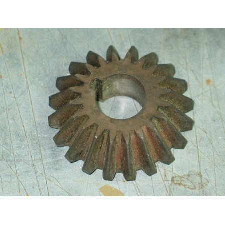 BEVEL PINION GEAR IH 485305 R1 IH 475603 R1 NOS
