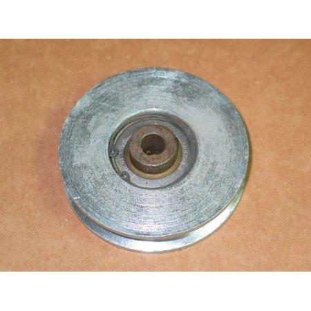 CUB CADET,MULE DRIVE IDLER PULLEY,IH 493164 R91,